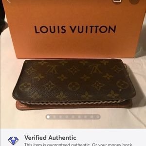 Auth Louis Vuitton Zippy Wallet/Organizer